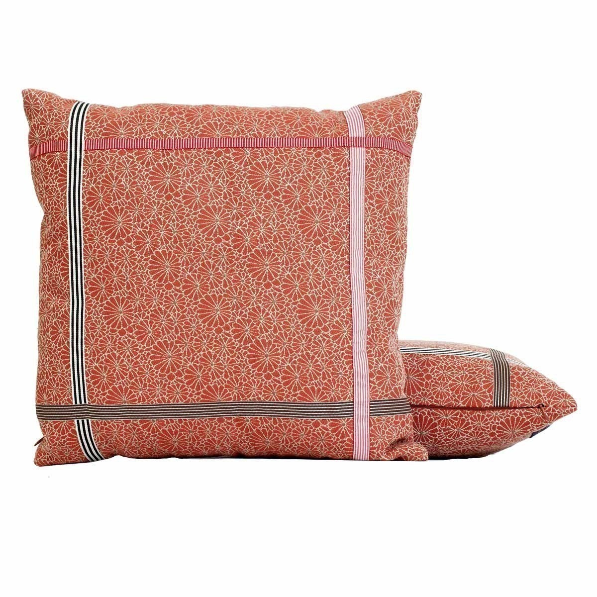 coussin encadres jean paul gaultier. Black Bedroom Furniture Sets. Home Design Ideas