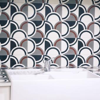 Arrondi cement Tile Grège Beauregard Studio