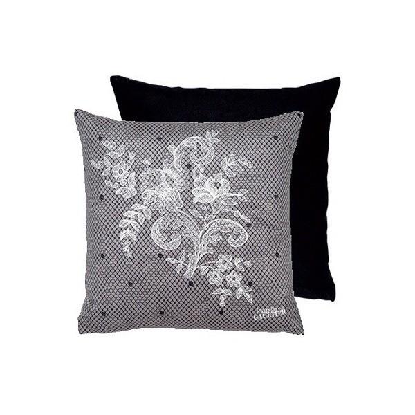 coussin discret jean paul gaultier. Black Bedroom Furniture Sets. Home Design Ideas
