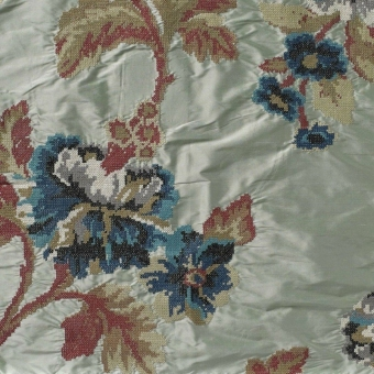 Madeleine Embroidered Silk Grenat Nobilis