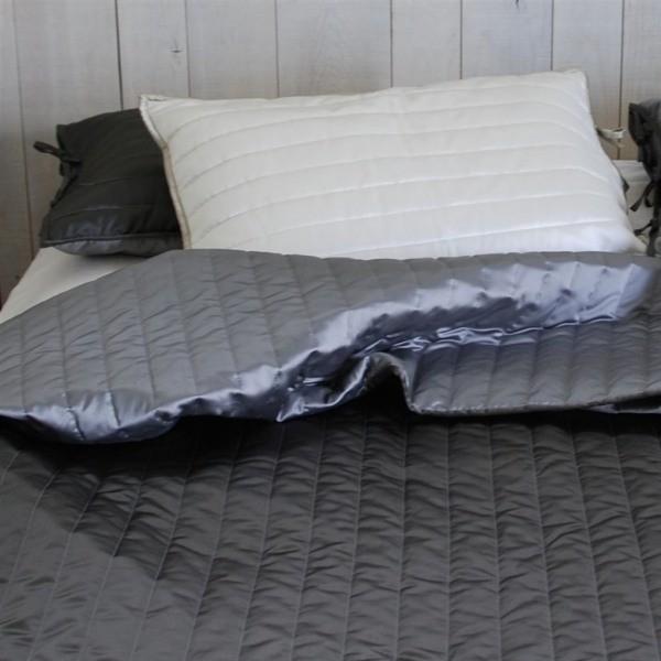 jet de lit tiber slate zinc designers guild. Black Bedroom Furniture Sets. Home Design Ideas