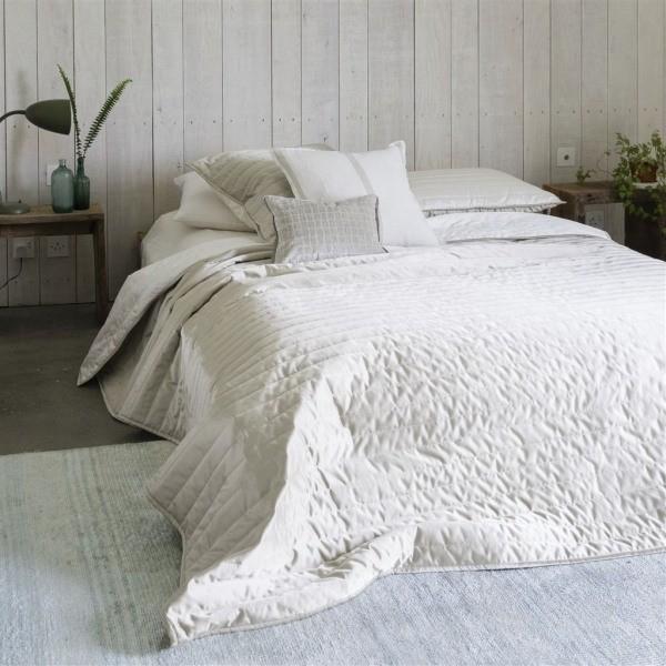 jet de lit tiber chalk linen designers guild. Black Bedroom Furniture Sets. Home Design Ideas