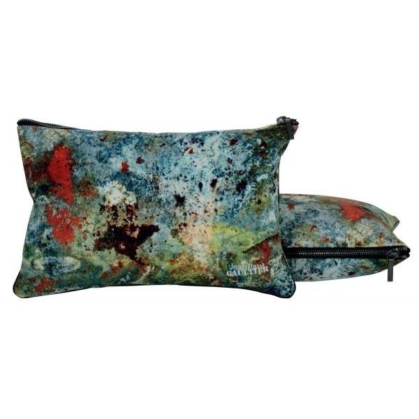 coussin pochette jean paul gaultier. Black Bedroom Furniture Sets. Home Design Ideas