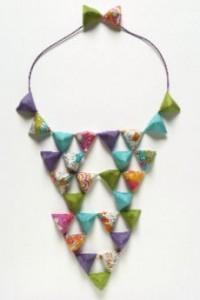 Perlingot. Création Lily Alcaraz & Léa Berlier. Bijoux textiles au musée des Tissus de Lyon